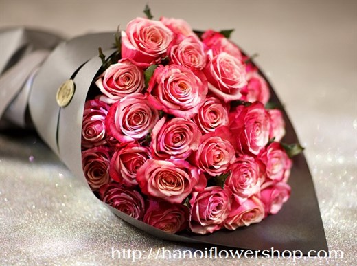 Buying bouquet of flowers online