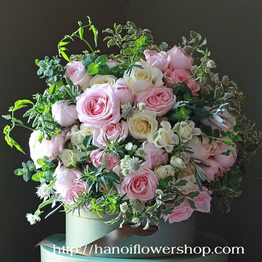 Buying basket of mixed flowers online