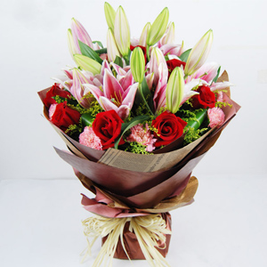 Send flowers to Hanoi on Women's Day